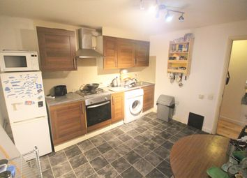 Thumbnail 1 bed flat to rent in Clarence Mews, London