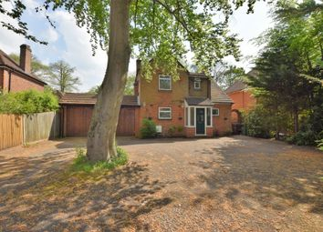 Thumbnail 3 bed detached house to rent in Prospect Avenue, Farnborough