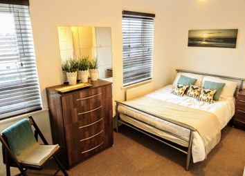 Room to rent in Tyrrell Square, Mitcham CR4