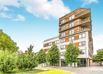 Thumbnail 1 bedroom flat for sale in Chatham Place, Reading