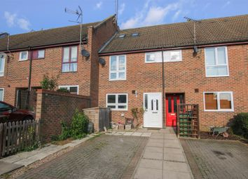Thumbnail 4 bed terraced house for sale in Warwick Row, Aylesbury