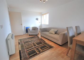 2 bed flat to rent in Deanery Close, East Finchley, London N2
