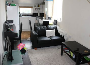 Thumbnail 4 bed flat to rent in Inverness Place, Roath, Cardiff