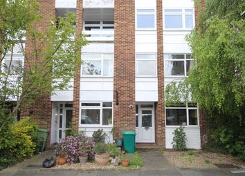 Thumbnail 2 bed flat to rent in Golf Side, Twickenham