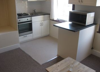Thumbnail 1 bed flat to rent in Stanley Road, Hounslow