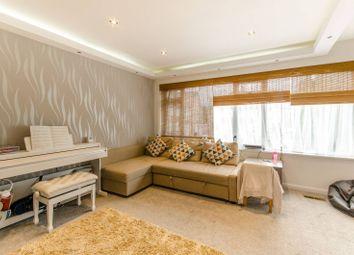Mays Lane, Barnet EN5. 4 bed terraced house