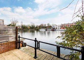 Thumbnail 2 bed cottage to rent in Kingstable Street, Eton, Windsor