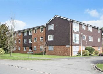 Thumbnail 2 bed flat for sale in In The Ray, Maidenhead, Berkshire
