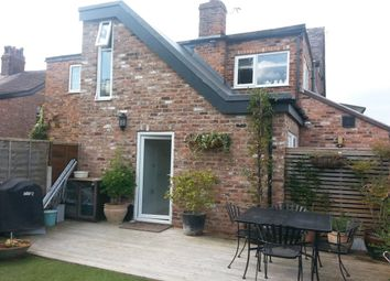 Thumbnail 2 bed flat to rent in Knutsford Road, Wilmslow