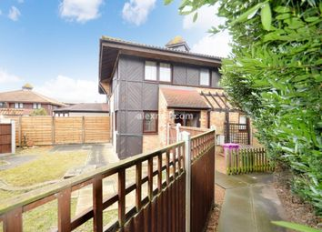 2 bed property to rent in Friars Mead, London E14