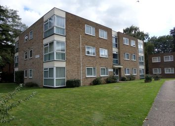 Thumbnail 2 bed flat to rent in Warham Road, South Croydon, Surrey
