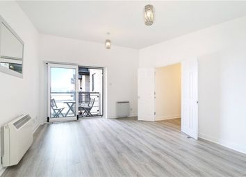 Fishguard Way, London E16. 2 bed flat