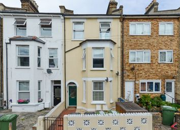 Thumbnail 3 bedroom flat for sale in Courthill Road, Hither Green