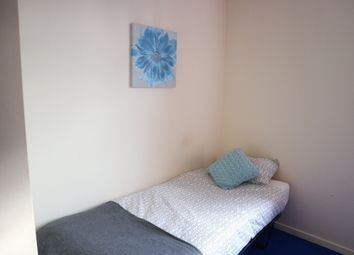 Thumbnail Room to rent in Phoenix Street, West Bromwich