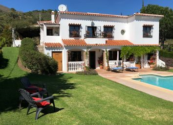 Thumbnail 4 bed property for sale in Spain, Andalucia, Casares, Ww974