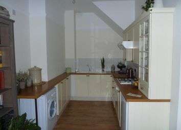 Thumbnail 1 bed flat to rent in Ratcliffe Road, Stoneygate / Clarendon Park