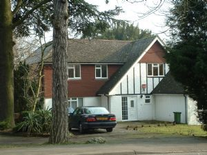 Thumbnail 4 bed detached house to rent in Smitham Bottom Lane, Purley