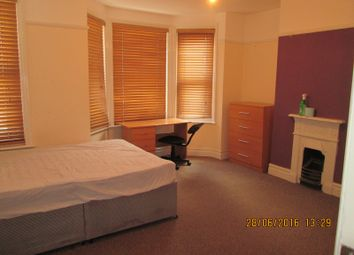 Thumbnail 5 bedroom property to rent in Newcombe Road, Polygon, Southampton
