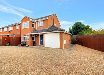 Thumbnail 3 bed detached house for sale in Kenilworth Drive, Aylesbury