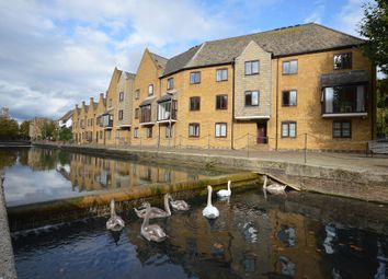 Thumbnail 3 bed flat to rent in Welland Mews, Wapping, London