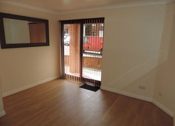 Thumbnail 1 bedroom flat to rent in Crouch Street, Banbury