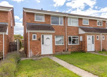 Woodhill Drive, Grove, Wantage OX12. 3 bed end terrace house