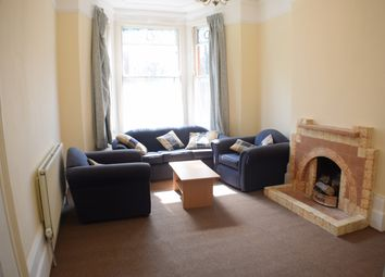 Thumbnail 1 bed flat to rent in Clissold Crescent, Stoke Newington