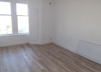 Thumbnail 1 bed flat to rent in Maxwellton Street, Paisley