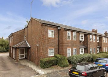 Thumbnail 1 bed flat to rent in Heath Road, St Albans, Hertfordshire