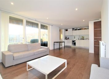 29 Tizzard Grove, Greenwich, London SE3. 3 bed flat