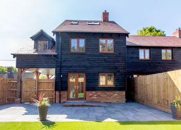 Thumbnail 4 bed detached house for sale in Half Moon Lane, Luton, Central Bedfordshire