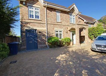 Thumbnail 3 bed town house to rent in Sandalwood Close, Arkley, Hertfordshire