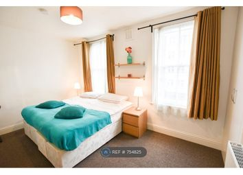 Room to rent in Lynton Road, London SE1