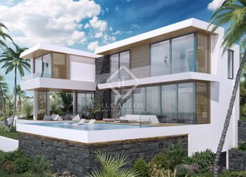 Thumbnail 4 bed villa for sale in Spain, Costa Del Sol, Marbella, Sierra Blanca / Nagüeles, Mrb14347