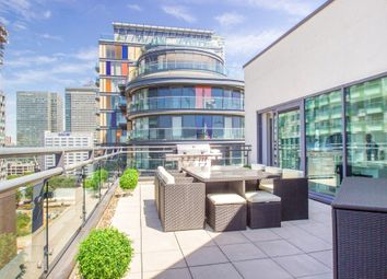 Thumbnail 4 bed flat to rent in Millharbour, South Quay, Canary Wharf