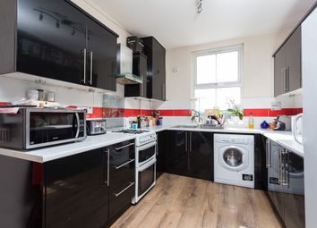 Thumbnail 4 bedroom flat to rent in Clapham Common South Side, London