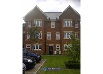Room to rent in Smiles Place, Woking GU22
