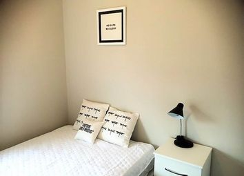 Thumbnail 4 bed shared accommodation to rent in Knowle Terrace, Burley, Leeds