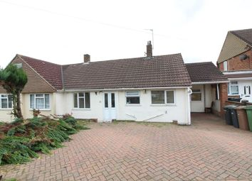 Thumbnail 3 bed bungalow to rent in Stoneygate Road, Leagrave, Luton