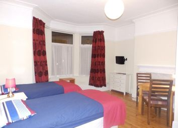 Room to rent in Room 6, Haxby Road, York, North Yorkshire YO31