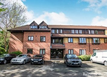 Thumbnail 2 bed flat to rent in Glyn Avenue, Barnet