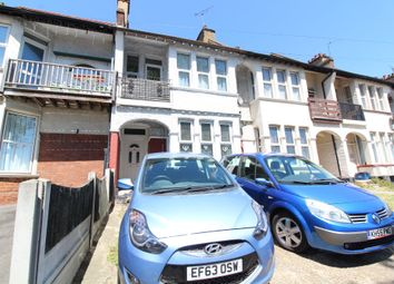 Thumbnail 3 bed flat to rent in Woodgrange Drive, Southend-On-Sea