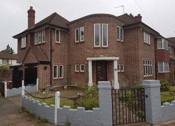 Thumbnail 5 bed detached house to rent in Cavendish Drive, Edgware, Middlesex