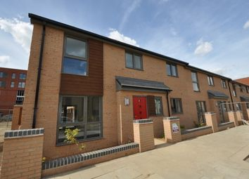 Thumbnail 3 bedroom town house to rent in Kiltie Street, Upton Place