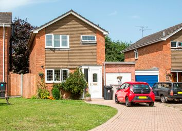 Thumbnail 4 bed detached house for sale in Selborne Close, Hook