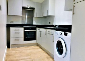 3 bed flat to rent in Bucknell Road, Bicester OX26