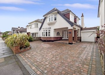Castellan Avenue, Gidea Park, Romford RM2. 3 bed detached house