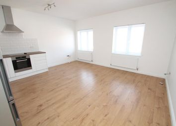 Thumbnail 1 bedroom flat to rent in Peach Street, Wokingham