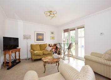 Hazlitts Place, Maidstone, Kent ME15. 2 bed detached bungalow