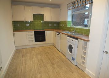 2 bed flat to rent in Coventry Road, Sheldon, Birmingham B26